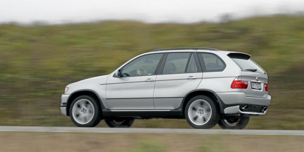 BMW X5 4,6is: Morsomt, men kostbart med stor bensin V8.