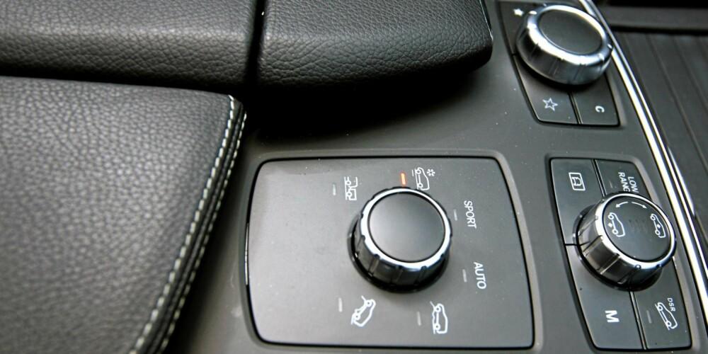 OFFROAD: Mercedes ML greier mye mer utenfor allfarvei enn det du ville drømme om å utsette din egen bil for. Med luftfjæring kan du heve bilen, mens ulike terrengprogrammer stiller inn framdriftssystemene. FOTO: Egil Nordlien, HM Foto