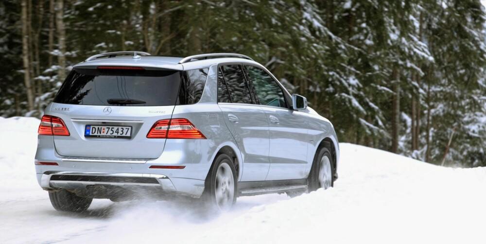KOMFORTABEL: Vår bil hadde luftfjæring, og det gjør at ML 350 er blant de aller mest komfortable bilene vi har kjørt. FOTO: Egil Nordlien, HM Foto