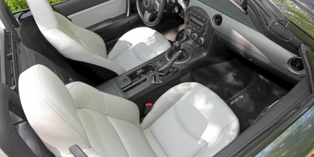 LUKSUS: Skinnseter setter prikken over i'en i årets spesialversjon av Mazda MX-5.
