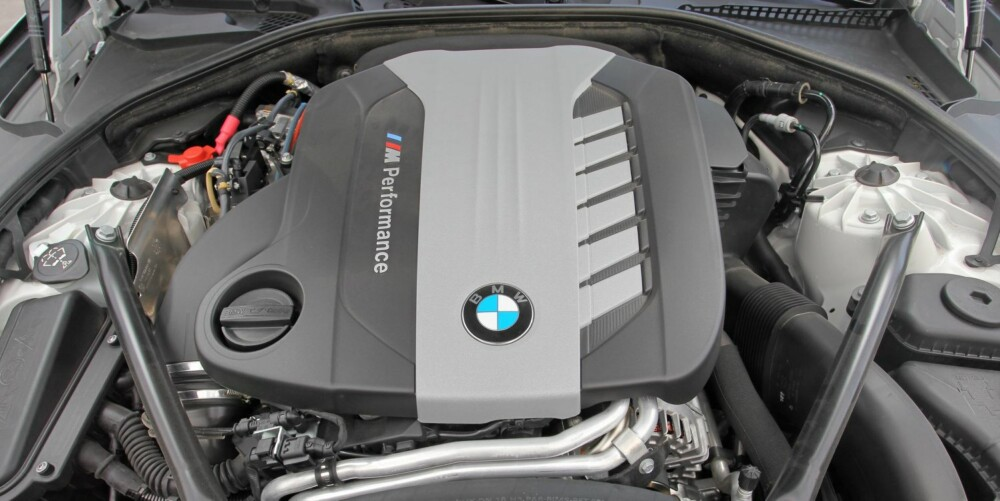 TRE TURBOLADERE: Vi har etterhvert blitt vant til motorer med to turboer. Nå ser det altså ut til at tre er det nye to.