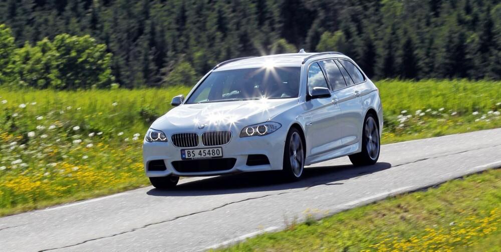 TUNG BIL: Med en egenvekt inkludert fører på 2065 kilo, er BMW M550d xDrive omtrent like tung som de store luksus-SUV-ene.