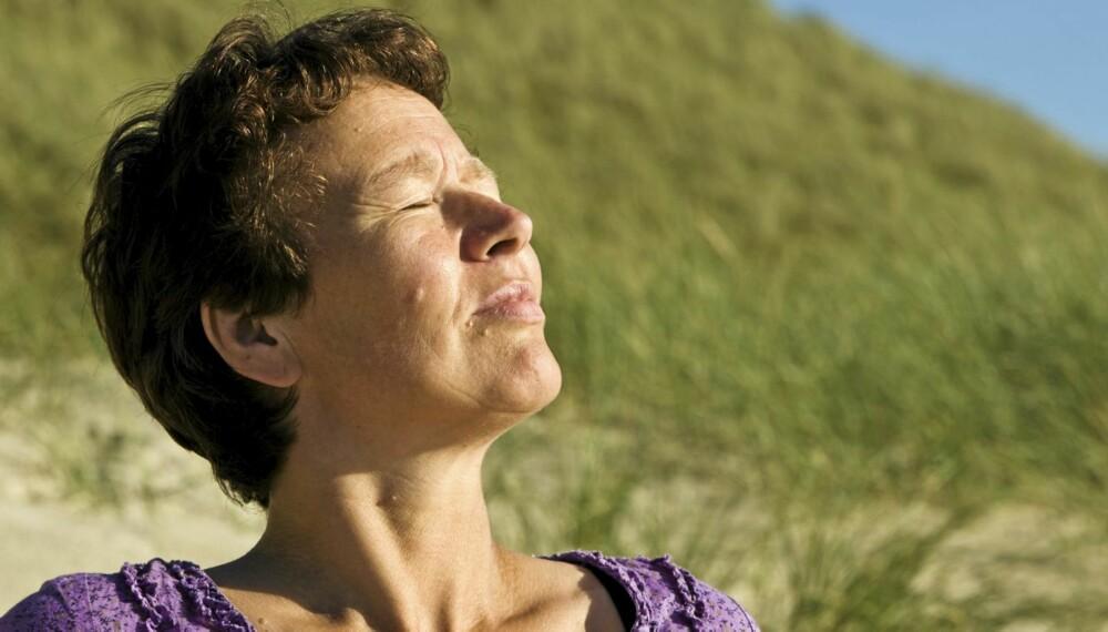 SOLKREFT: Hudkreft kobles i stor grad til soleksponering, og det å unngå å bli solbrent er derfor første bud til deg som vil unngå kreftformen.