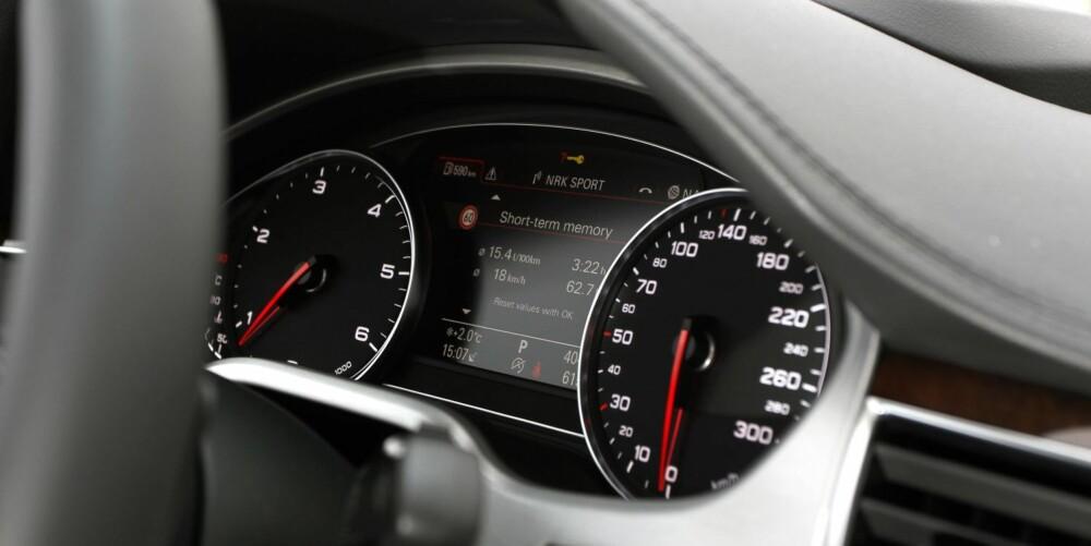 AUTOBAHN-LOKOMOTIV: A8 er bygget for å sluke mil i stor hastighet på tyske motorveier.