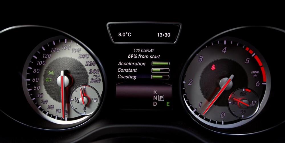 OPPLÆRING: GLA-modellene har gjennomgående lavt oppgitt forbruk, og søylediagrammene forteller deg om du kjører økonomisk. I vår faste forbrukstest bruker GLA 220 CDI 4Matic 0,55 l/mil, et meget godt resultat for en firehjulsdrevet bil med automatgir. FOTO: Petter Handeland