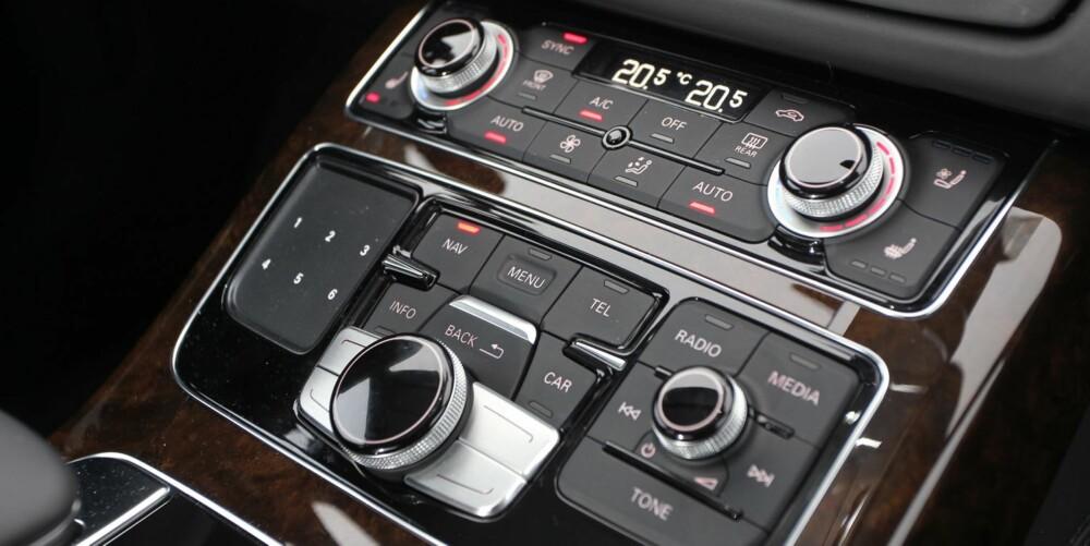 KNAPPETRANG: Audi nærmer seg det glade tastevanvidd. Litt avhengig av hva vi regner som egen tast, kommer vi til rundt 70 knapper.