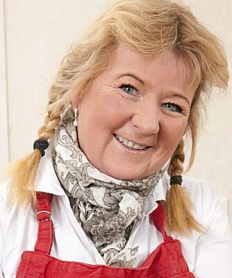 KAKEGLAD: Kristin Jøtun er matmedarbeider i Hjemmet, og har blant annet ledet kåringen av bladets store kakekonkurranse. To av de tre vinnerkakene er glutenfrie, og du finner oppskriftene nederst i saken.