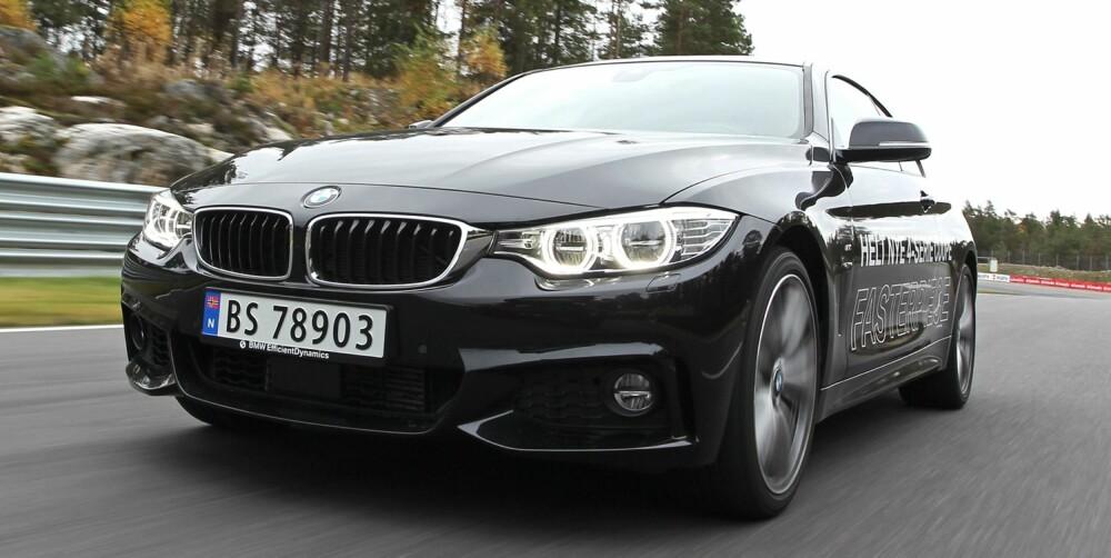 POSØRFAKTOREN: I våre øyne er det ingen tvil: Den nye BMW 4-serie har høy posørfaktor, i den gode betydningen av ordet. To dører, kun fire sitteplasser og lav takhøyde bak er praktiske ulemper ved karosseriformen. FOTO: Petter Handeland