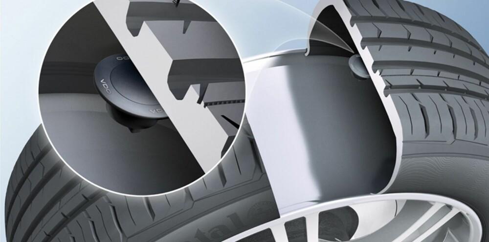 OVERVÅKER DEKKTRYKK: TPMS-systemet forteller sjåføren dersom lufttrykket i dekket ikke er riktig. Ofte vil monitoren være en del av luftventilen, men det finnes andre metoder. ILLUSTRASJON: Continental