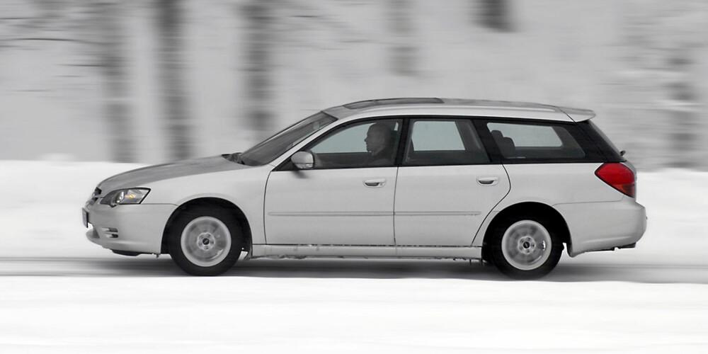 LIKE: Subaru Legacy deler grunnkonstruksjon med Outback, men er forskjellig bl.a. på standardmotor og -utstyr.
