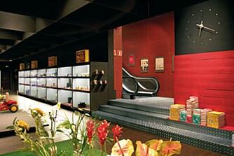 TOPP MODERNE: Vågalt og moderne vareutvalg hos Vinçon bak en klassisk fasade.