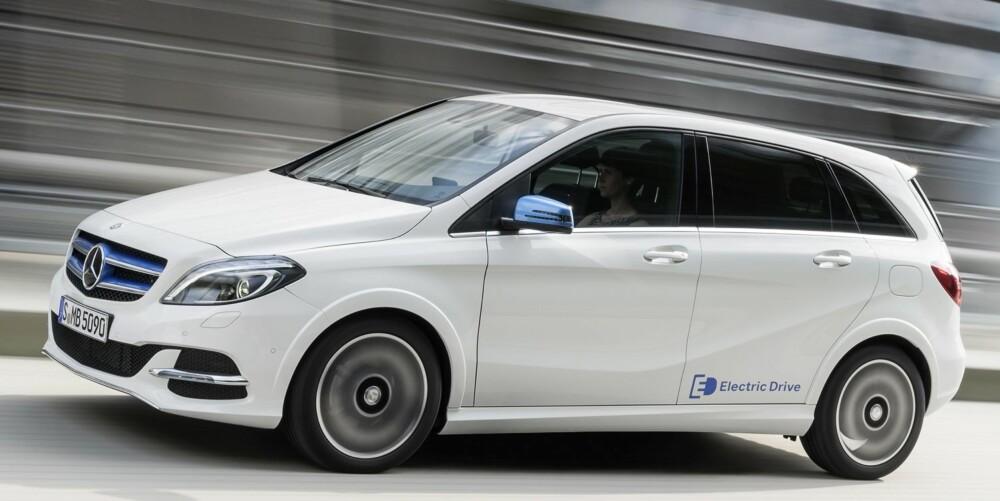 MODERNE: Nye elbiler har en særegen modernitet over kjøreopplevelsen. Det er stille, jevnt og mykt, men i Mercedes B-klasse Electric Drive kan det også gå riktig raskt unna.