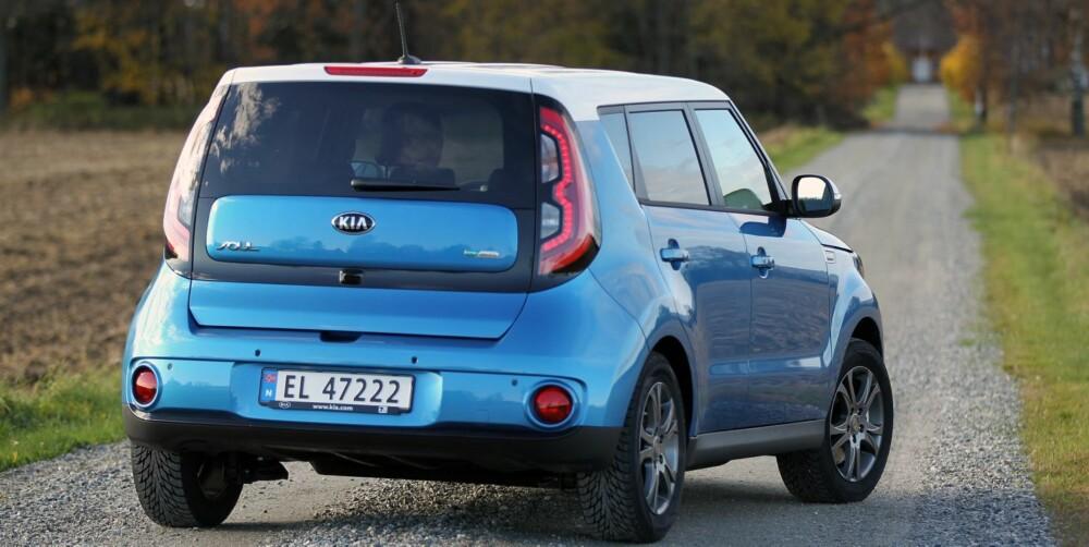 KOMPAKTE MÅL: Soul har ytre mål som en småbil, men bakseteplass nesten på kompaktklassenivå. Bagasjerommet er bilens største minus - det rommer kun 281 liter.