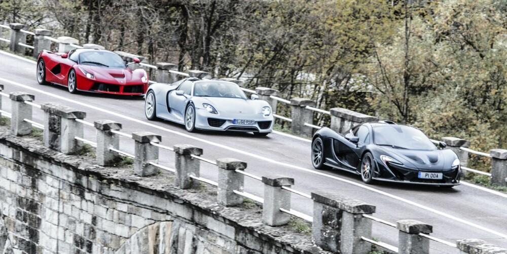 DRØMMEBILER: McLaren P1, Porsche 918 Spyder og Ferrari LaFerrari.