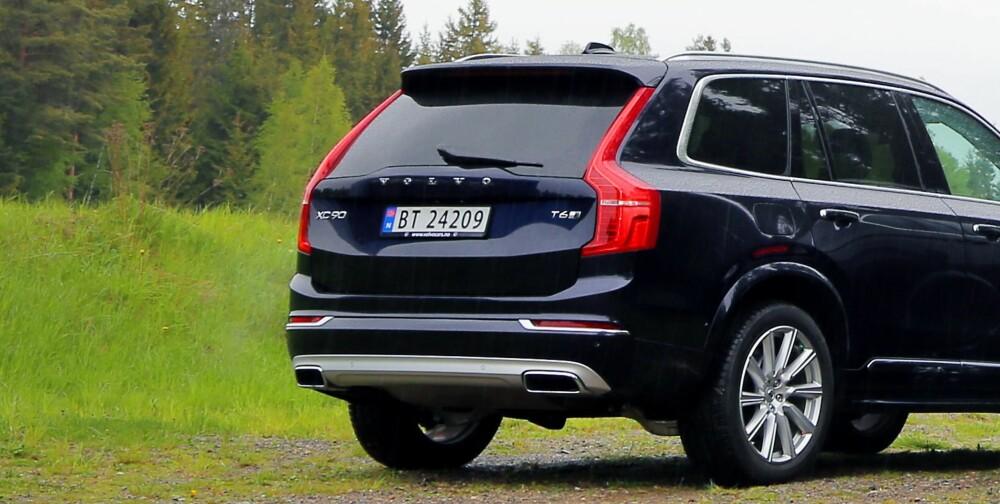 """LØFT: En Volvo XC90 med nivåregulering kan løftes opptil 6 cm fra laveste posisjon (brukes i dynamisk modus og økomodus) til en egen offroadmodus. Normalmodusen, som Volvo kaller """"komfort"""", ligger omtrent midt imellom."""