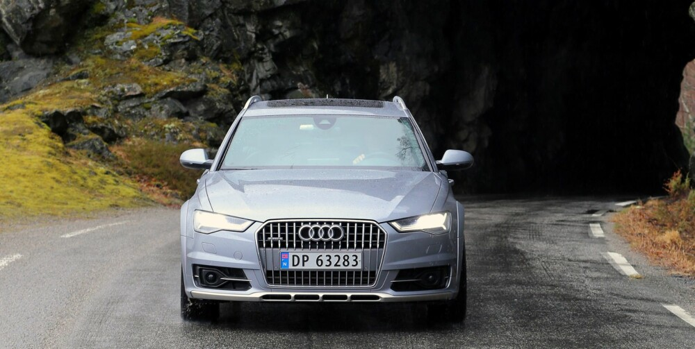 PONDUS: Audi A6 Allroad er nesten 5 meter lang og 1,9 meter bred. Økt bakkeklaring og Allroad-styling gir den en pondus en vanlig A6 ikke har.