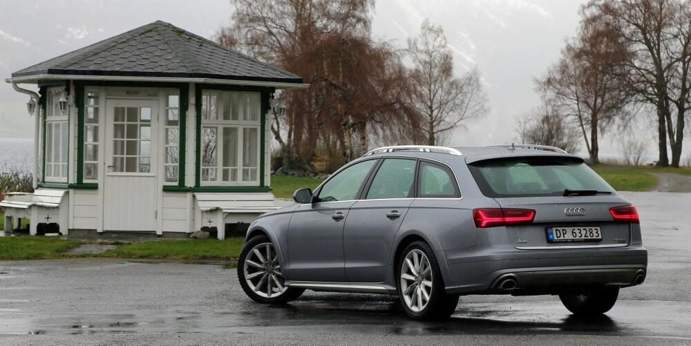 DYR: Testbilens versjon av trelitersdieselen med hele 272 hk gjør Audi A6 Allroad ekstra dyr. Du kan spare 91.000 kroner på å velge 211-hestersutgaven i stedet. Den går fort nok.