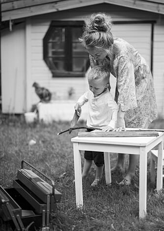 VANSKELIGE SVAR: - Som mor kjenner jeg mammahjertet dunke ekstra hardt i brystet hver gang han nærmer seg spørsmål jeg selv synes er vanskelige.