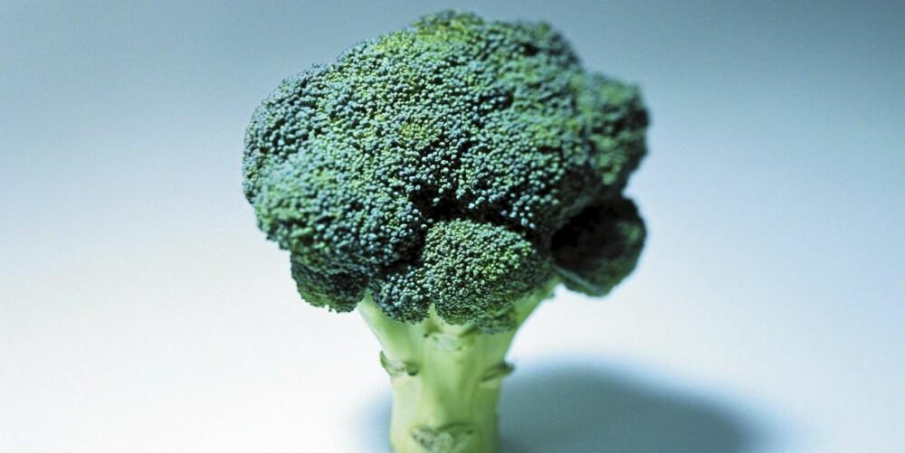 ALLER BEST RÅ: Brokkoli bevarer alle næringsstoffene om du ikke koker den, men spiser den rå. ILLUSTRASJONSFOTO: Colourbox