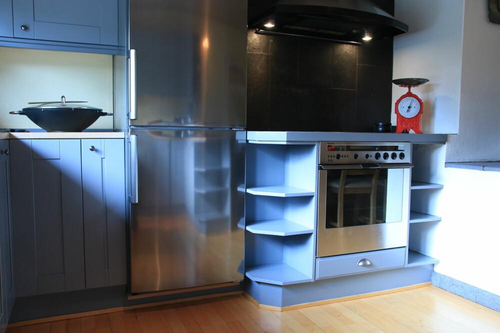FOR KALDT: Blått er den mest hygieniske farger, men kan bli for kald til å ha den på hele kjøkkenet.