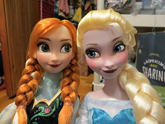 NÅTIDENS PRINSESSER: Elsa og Anna har vært «alle» småjenters idoler det siste året – og absolutt ALT skal da selvsagt nærmest tapetseres med isprinsessene.
