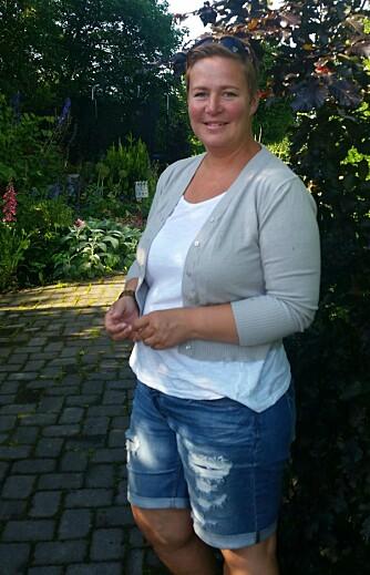 VANN NÅR SOLA HAR GÅTT NED: - Vanning midt på dagen er lite effektivt og kan gjøre mer skade enn nytte, sier gartner Stina Kjønnås.