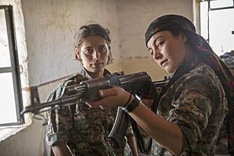 ØNSKER ET FRITT KURDISTAN: - Å kjempe er en del av ekte likestiling, og vi er stolte av å slåss mot ISIS, forteller en av kvinnene.