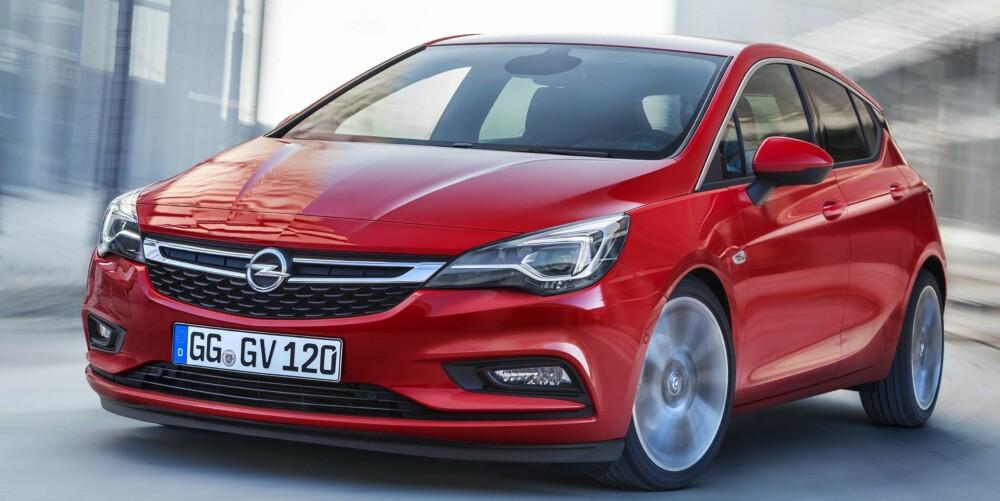 KORTERE: Den nye Opel Astra er 5 cm kortere og 2,6 cm lavere enn den forrige. Opel lover likevel at den nye skal by på mer plass. FOTO: Opel