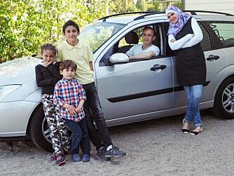 ENDELIG: Norsk sertifikat og bruktbil kjøpt av oppsparte midler ga familien en ny hverdag.