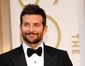 LIKELØNN: Bradley Cooper har skjønt det. Han vil ta sin del av støyten for å heve lønna til sine kvinnelige kollegaer.