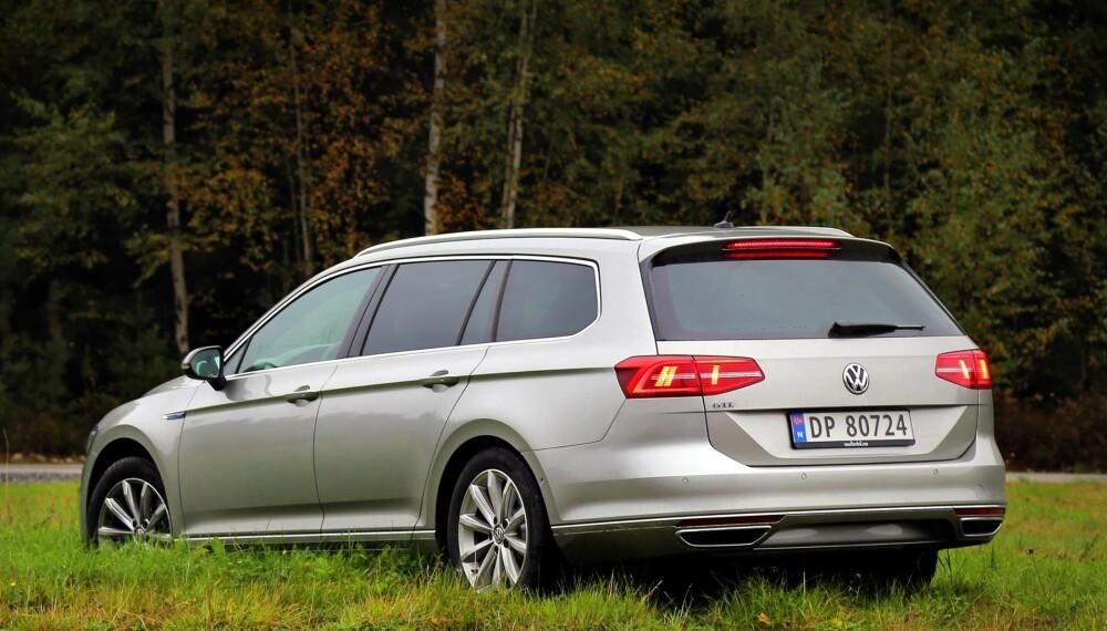 LIKT OG ULIKT: Skallet er det samme, men under metallet har VW Passat GTE en helt annen drivlinje enn andre Passater.