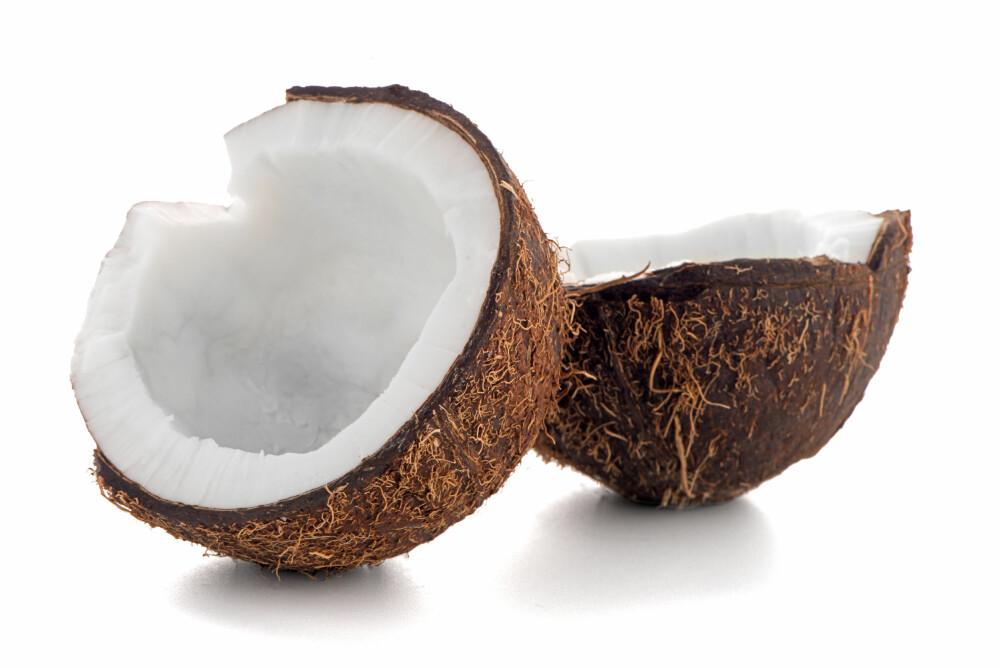 KOKOSNØTTOLJE: Visste du at du kan bruke kokosnøttolje til alt fra hudpleie og sexlivet, til matlaging?