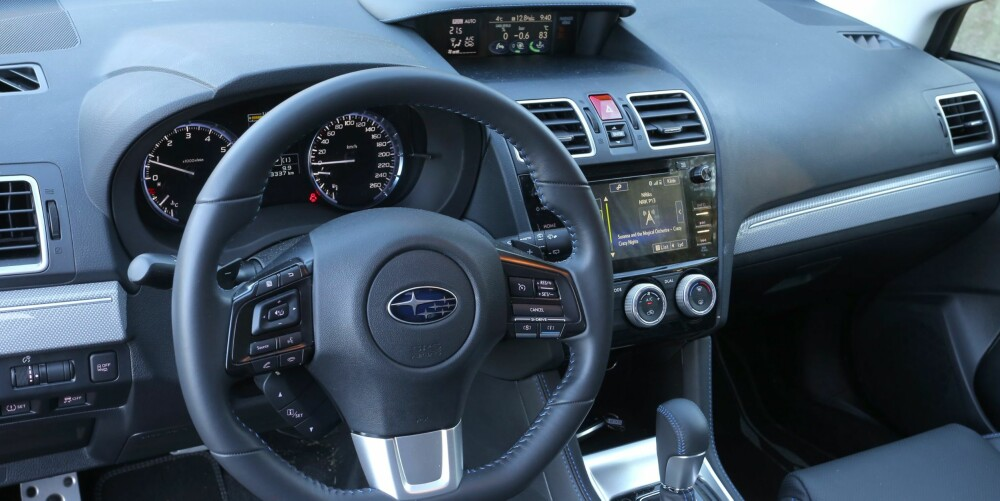 Ujålete, men funksjonell er ord som beskriver førerplassen. Materialbruk og kvalitetsfølelsen er slik det pleier å være for folkelige biler fra Asia - og litt nøkternt med tanke på at Levorg koster 435.000 kroner.