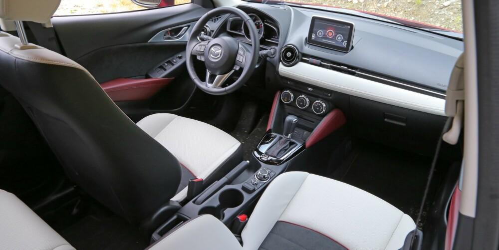 ALT DU TRENGER: Utstyrsnivået og førerplassen gjør at Mazda CX-3 i Optimum-versjon gir deg følelsen av å kjøre en dyrere bil.