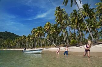 FINN ROEN: Vi leide båt på Koh Chang, og fant denne øde stranden.