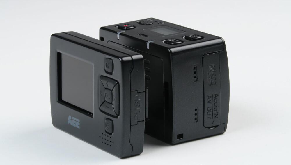 AVTAGBAR: AEE SD18 har en skjerm som kan løsnes og fjernes fra kamerakroppen. Det gjøe kameraet litt mindre, men da står du også uten noen søker.