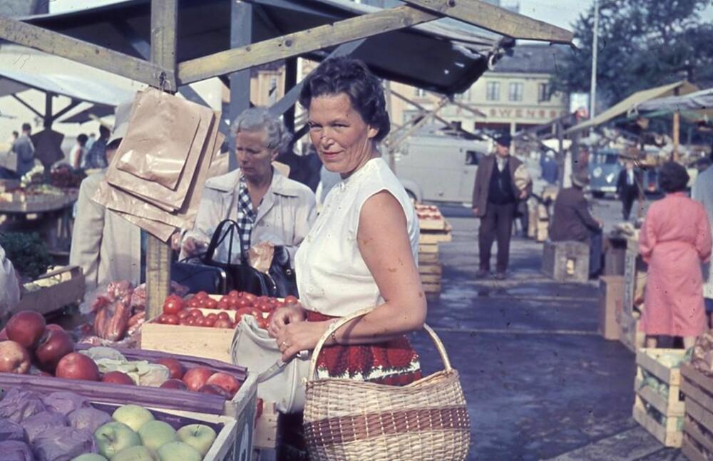 FARMOR SOM UNG: «Jeg fascinerer henne med de gode historiene hun en gang fortalte meg om sitt eget liv,» forteller Vilde Bratland Hansen om farmoren sin.