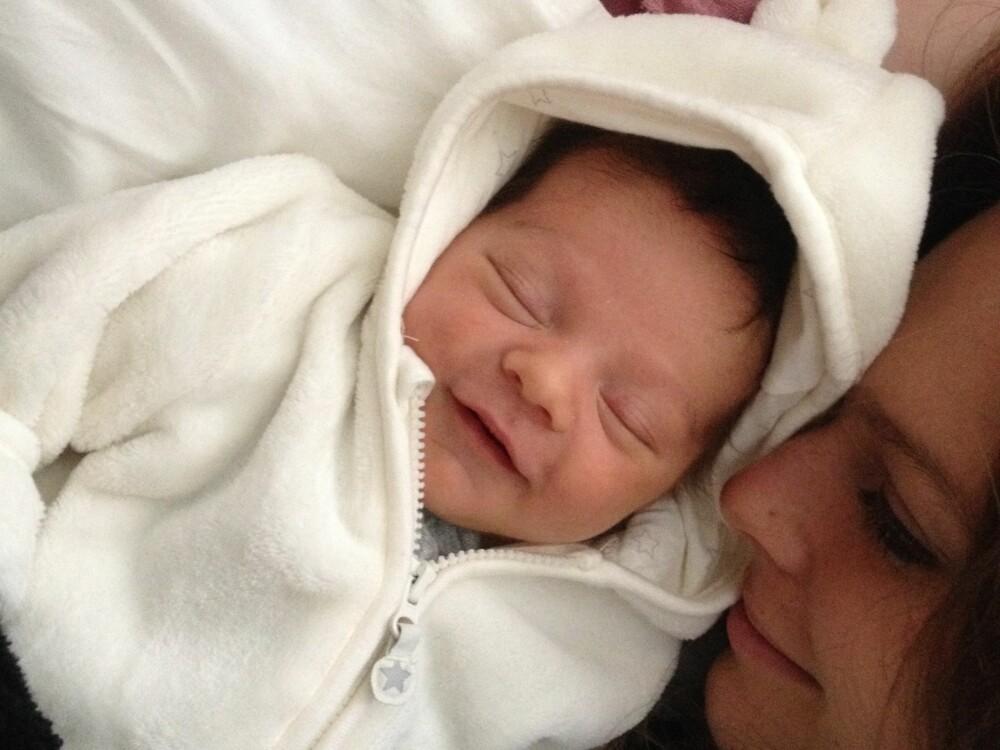 NYDELIG: Lille Kaitlin ble nesten mammas bursdagsgave.