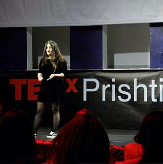 BEINTØFF: Kastrati har blitt intervjuet både i nasjonale og internasjonale medier om sitt engasjement. Hun holdt også foredrag om det på en Ted-talk i Pristina.