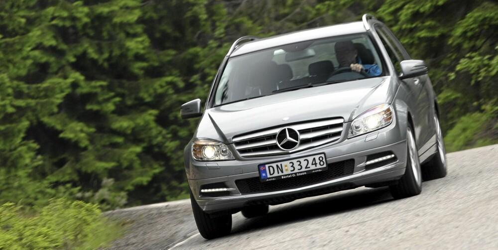 ELEGANT: C-klasse er en sober og elegant bil, både utenpå og inni.
