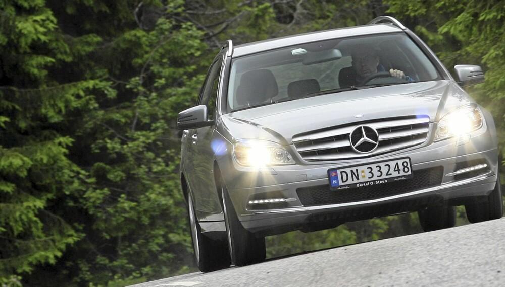 HERLIG: På veien er C-klasse et herlig bekjentskap. Med moderat motorisering er den fortsatt sterk nok, og attpåtil relativt hyggelig priset.