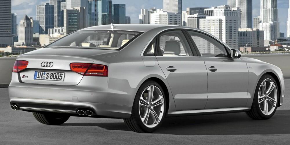 S8: Størst og raskets av S-ene. 0-100 km/t går unna på 4,2 sekunder. FOTO: Audi