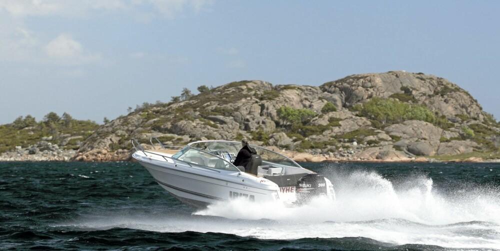 ET AV DE BESTE: Skroget har glimrende fartsegenskaper, og sørger for god komfort selv når det er krapp sjø.