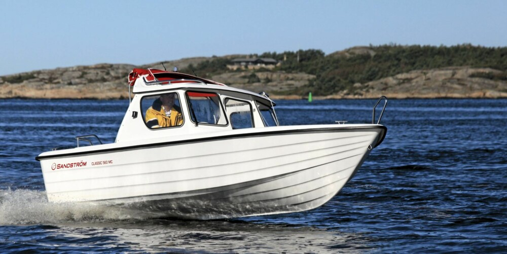 GOD: Sandström Classic 560 MC klarer seg godt i sjøen.