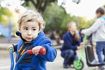 VIL IKKE I BARNEHAGEN: Mistenker du at barnet ditt ikke trives i barnehagen? Slik hjelper du barnet som ikke vil i barnehagen.