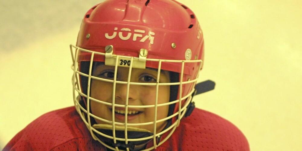 HOCKEYBARN: Det finnes en rekke idrettsgrener å velge mellom, også for de minste barna.