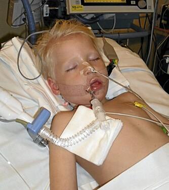 I KOMA: Magnus fikk i august 2009 sitt første alvorlige epilepsianfall, og ble liggende en måned i koma.