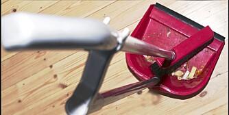 MER HUSARBEID: I julen bruker nordmenn mer tid på å rydde og gjøre rent huset enn ellers i året.