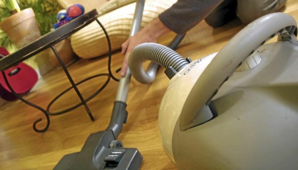 ENKELT OG KJAPT: La vaskekluten ligge og bruk kun støvsugeren når du rengjør til jul.