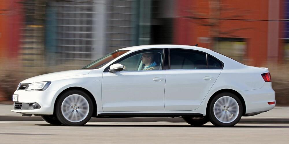 RASK: VW Jetta Hybrid er den raskeste kompakthybriden vi har testet. Den er betydelig raskere enn for eksempel Toyota Auris Hybrid.